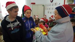 Učenici daruju
